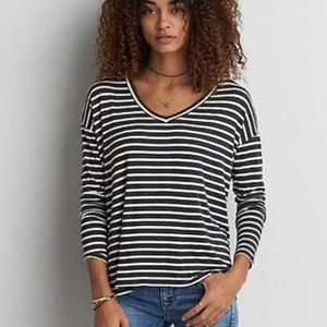 American Eagle Grey & White Long Sleeve Tee